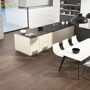 Pavimento porcel nico suelos de imitaci n madera h nnun for Pavimento imitacion madera